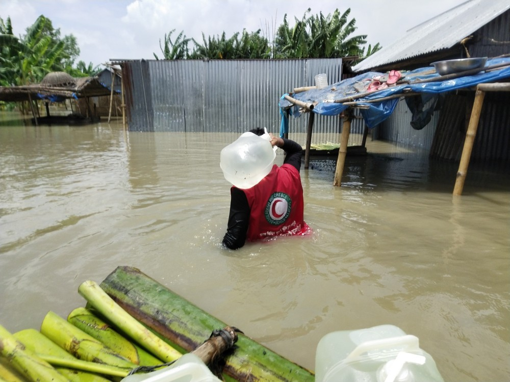South Asia floods: 9.6 million people swamped as humanitarian crisis deepens