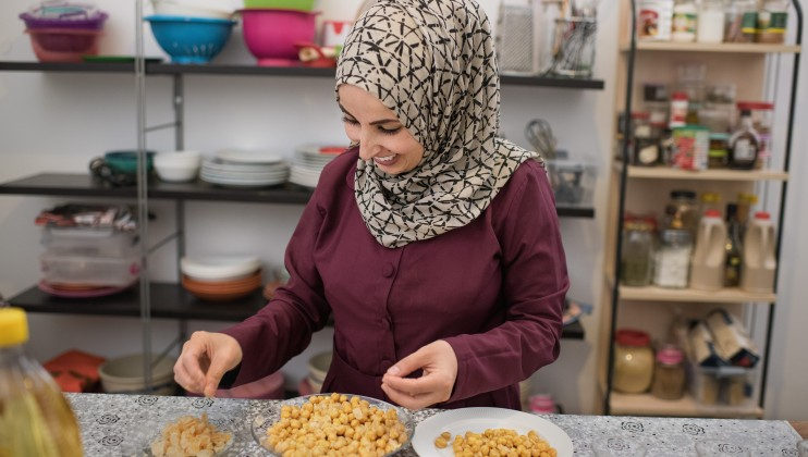 Amal cooking